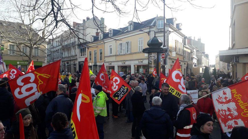 Environ 1 200 manifestants réunis à Châteauroux vendredi 24 janvier