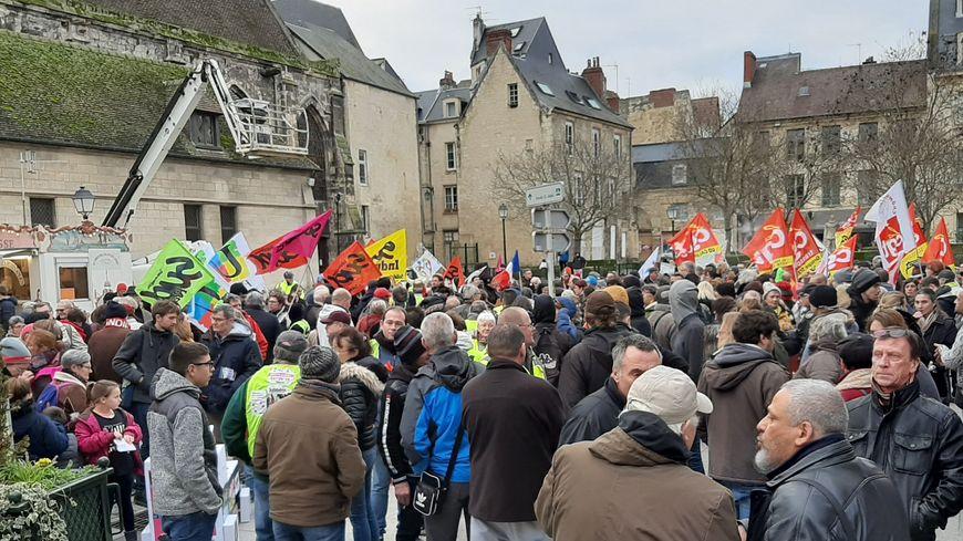 Environ 650 manifestants ont défilé dans les rues de Caen au départ de la place Bouchard