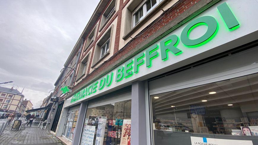 Les pharmacies du centre ville d'Amiens ont beaucoup de demande de masques respiratoires.