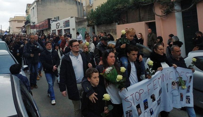 La marche blanche pour Laetitia Hemery a démarré dans le quartier du Mourillon, à Toulon.