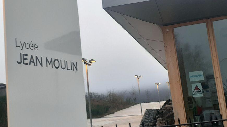 Une cellule d'aide psychologique est en place au lycée de Revin