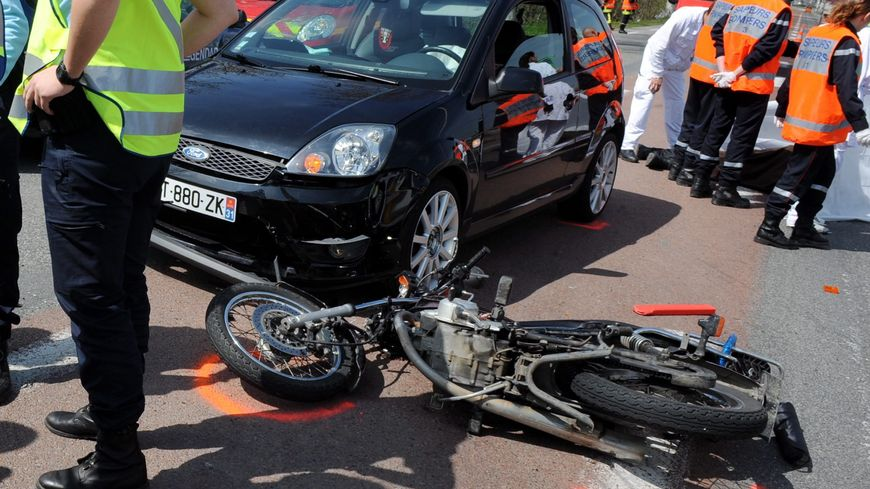 L'accident s'est produit à Olemps, au lieu dit Mouline sur la départementale 212E.