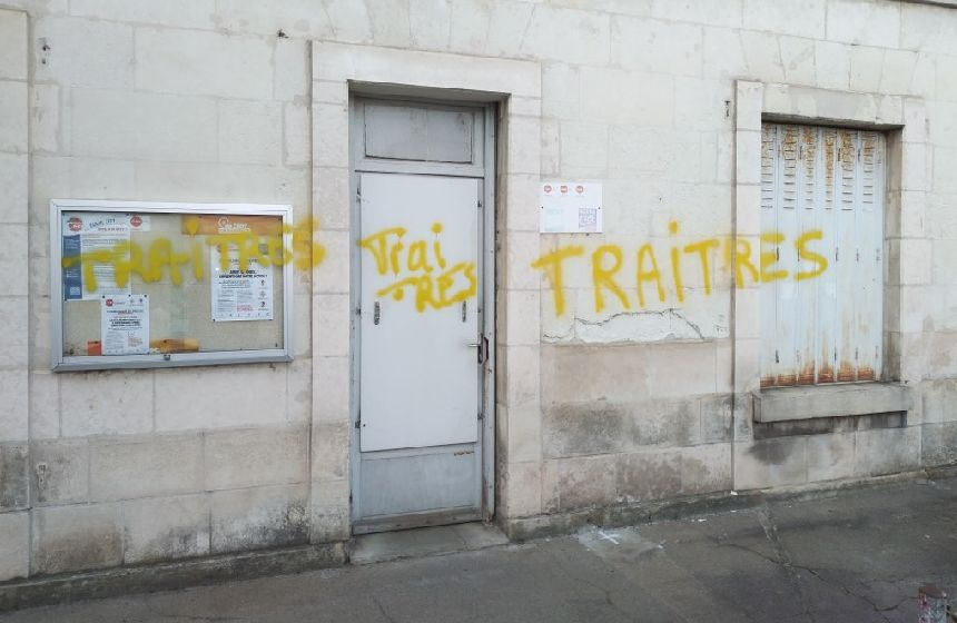 Le local de la CFDT Cheminots rue Blaise Pascal à Tours a été tagué