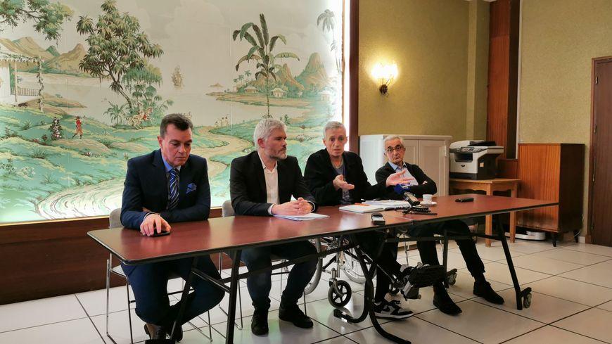 Le maire de Montpellier a fait l'annonce en conférence de presse dans son centre de rééducation à Saint-Jean-de-Védas