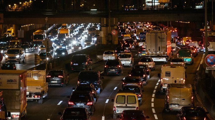 Le temps perdu par les automobilistes franciliens sur les trajets domicile-travail est de 163 heures, soit 13 heures de plus qu'en 2018.