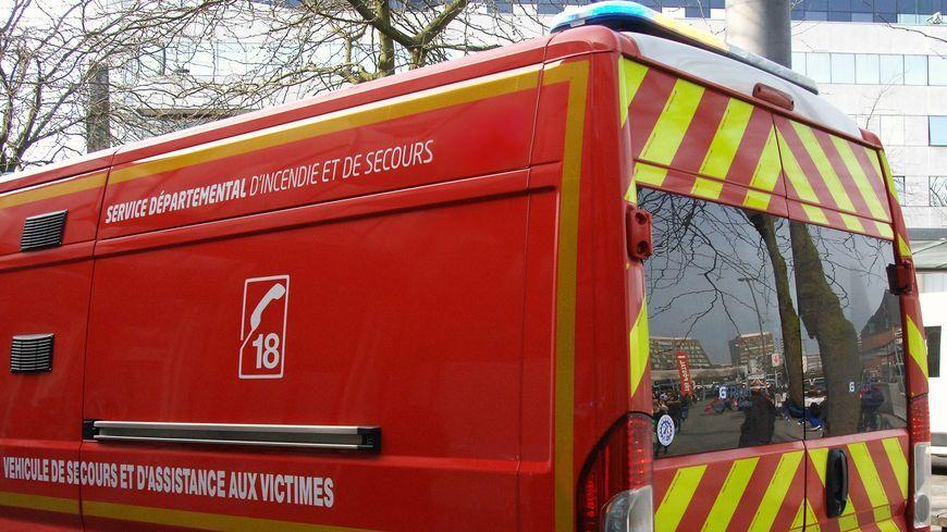 La victime a été transportée au centre hospitalier de Laval.