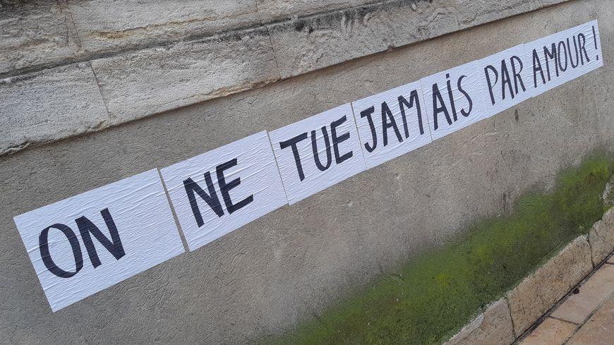 Slogan lors de la manifestation contre les violences conjugales à Nîmes