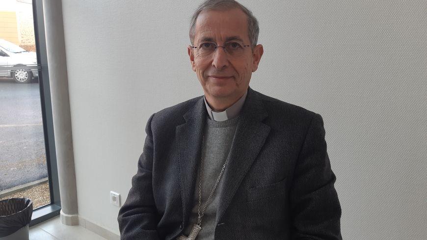 L'évêque de Laval Thierry Scherrer