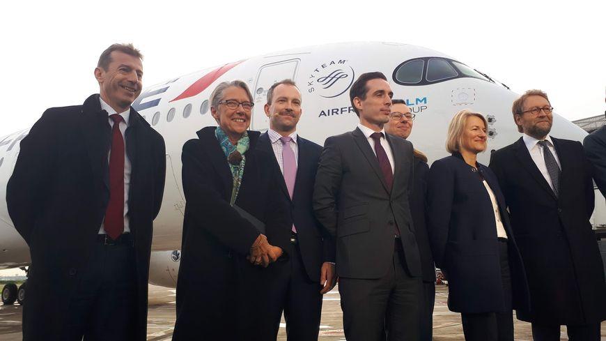 Lancement de la filière biocarburant aéronautique chez Airbus à Toulouse en présence de la ministre de la Transition écologique Elizabeth Born