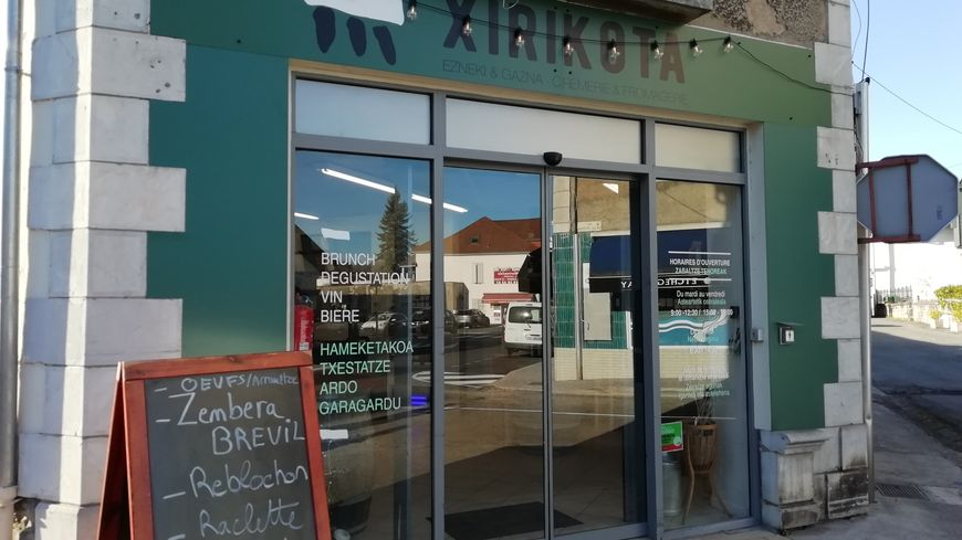 Devanture du magasin Xirikota à Mauléon