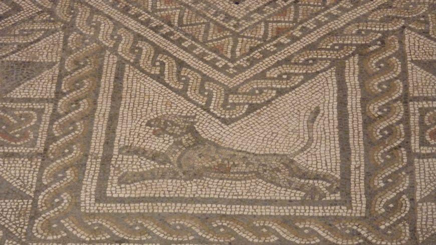la panthère / détail de la mosaique de Grand dans les Vosges