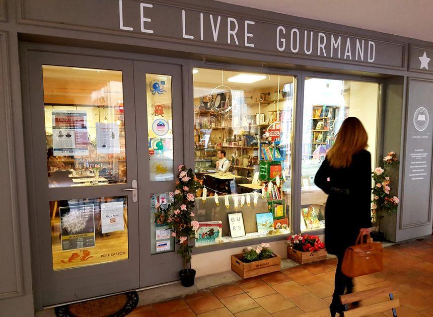 La façade du livre gourmand à Carpentras