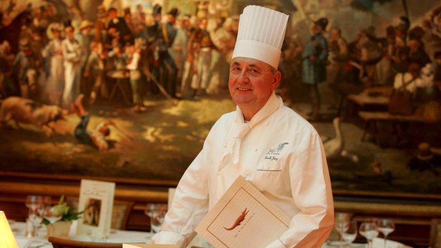 Emile Jung dans son restaurant Au Crocodile à Strasbourg