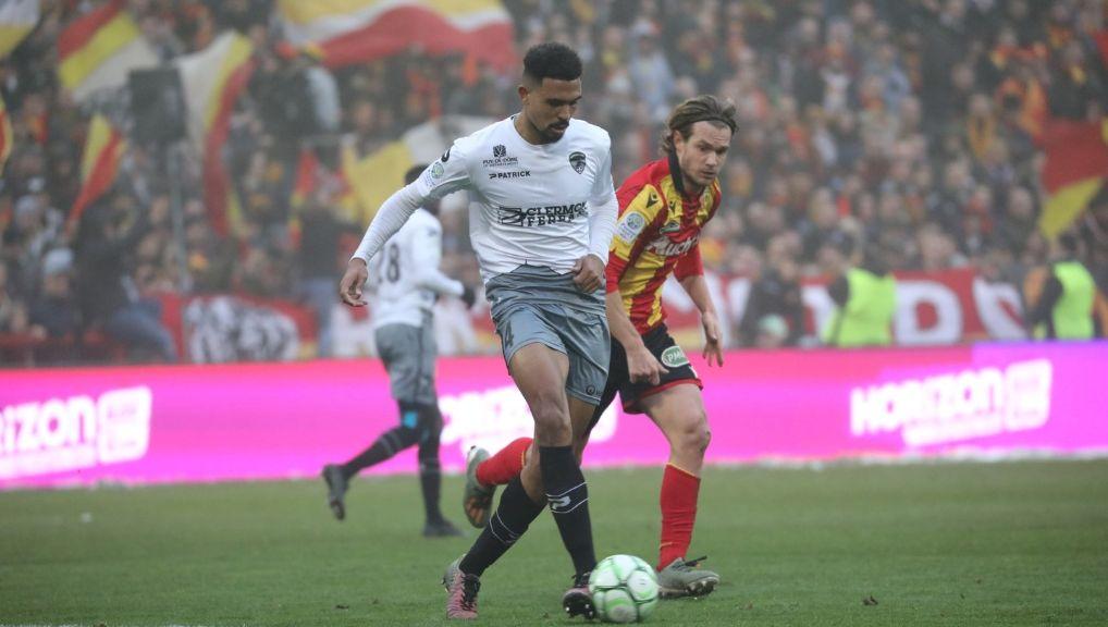 Ligue 2 : Clermont évite le piège du stade Bollaert à Lens