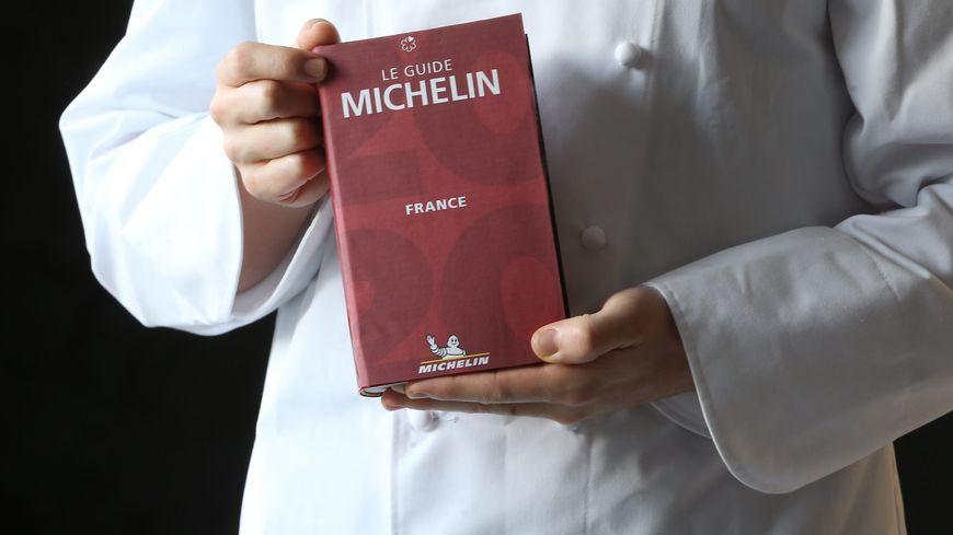 La couverture du nouveau guide Michelin (guide Rouge) 2020.