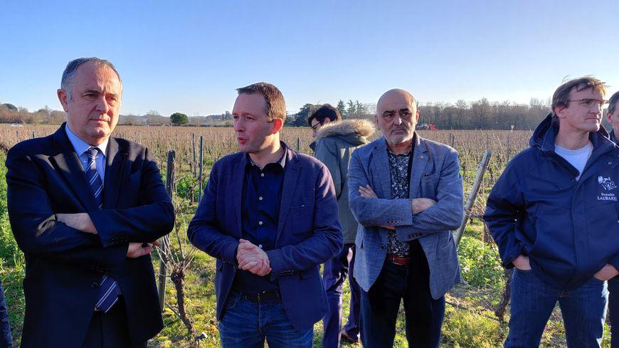 Didier Guillaume, le ministre de l'agriculture, en visite à Montans (Tarn).