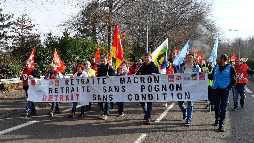 Des manifestants à Dax contre la réforme des retraites - Image d'archive décembre 2019