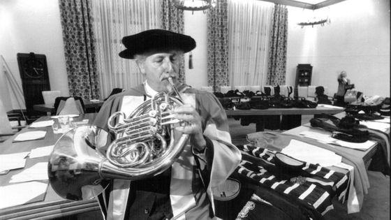 Barry Tuckwell après avoir reçu un doctorat honorifique en musique à l'University de Sydney en 1994