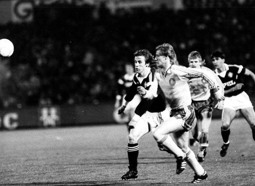 Philippe Fargeon lors d'un match de coupe d'Europe en 1987, l'année du doublé coupe de France - championnat.