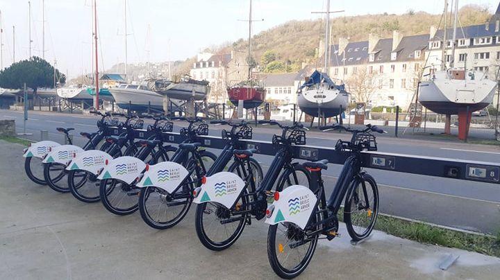 Une station de vélos est installée au port du Légué (notre photo), l'autre dans le centre-ville de Saint-Brieuc près de l'office de tourisme.