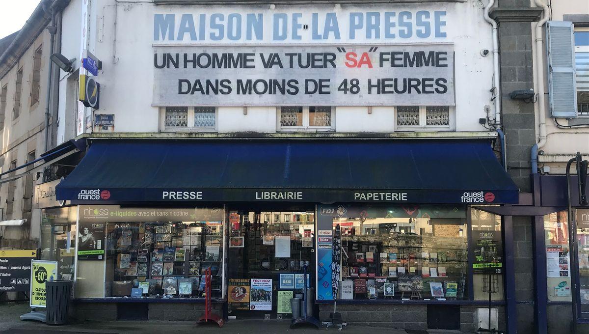 """""""Un homme va tuer sa femme"""" : une banderole choc contre les féminicides à Châteaulin"""