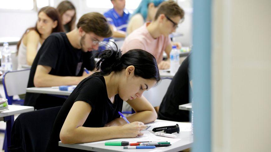 Des élèves niçois passant le bac, session 2019.