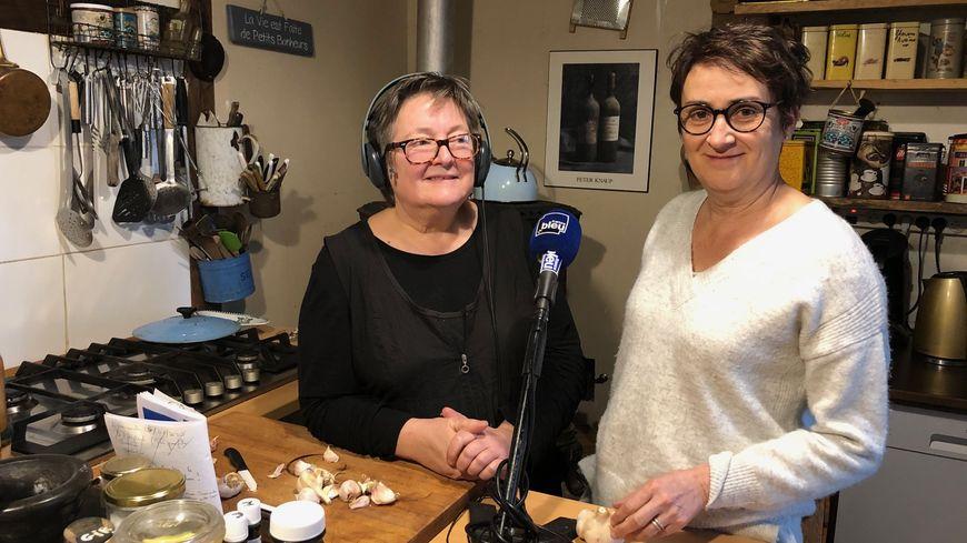 """Françoise CARAYOL restauratrice """"la Ferma dans l'Assiette"""" à Lautrec venue avec son ail rose !"""
