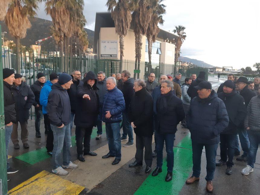 Elus consulaires et socioprofessionnels sur le port de Bastia