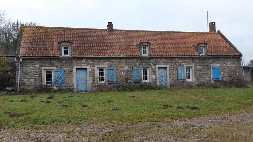 Le Conservatoire du littoral va aménager cette ancienne ferme typique de la région de Marquise, pour en faire deux gîtes. Il cherche des gérants.