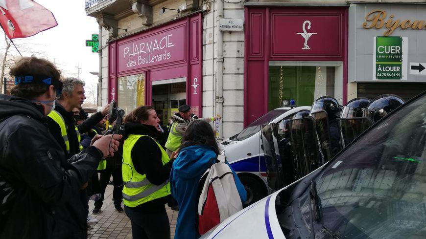 Le 25 janvier, certains manifestants avaient tenté de sortir de l'itinéraire prévu