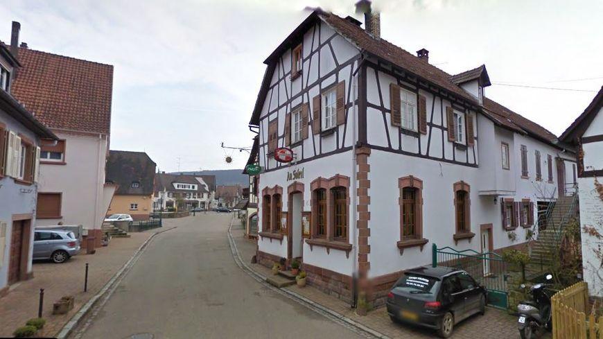 """A Lembach, dans le Bas-Rhin, le restaurant """"Au soleil"""", situé au cœur de la commune, a entièrement brûlé mercredi 8 janvier 2019."""