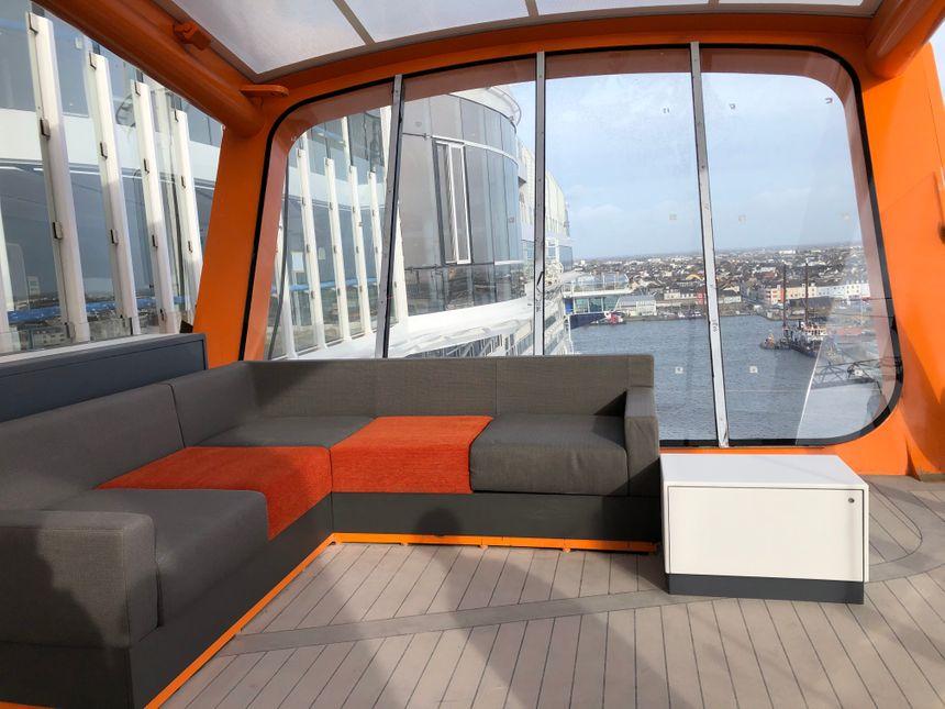 Les passagers peuvent profiter d'une vue exceptionnelle au-dessus de l'eau