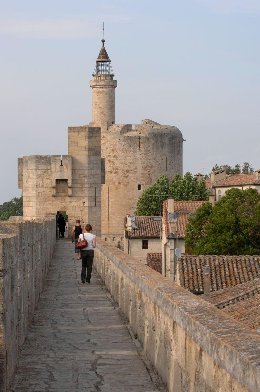 La tour de Constance depuis les remparts