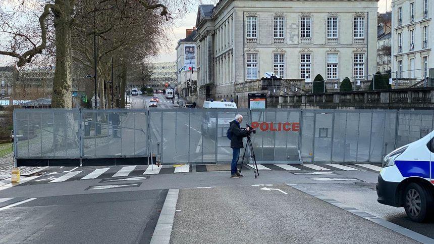 Un dispositif de sécurité impressionnant pour la venue de la secrétaire d'État Emmanuelle Wargon