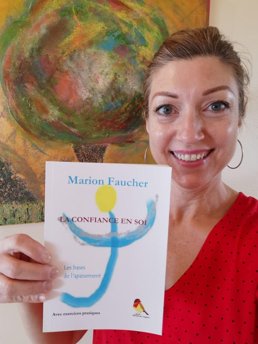 Marion Faucher et son livre.