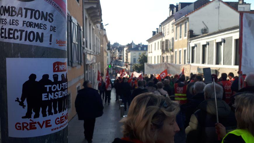 Près de 2.000 manifestants dans les rues de Pau ce mercredi