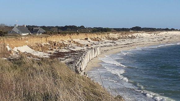 Plusieurs éboulements sont visibles le long de la dune de Lehan, à Treffiagat.