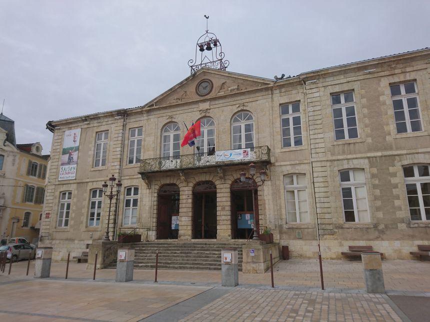 La mairie d'Auch, en face du Café Daroles, où se tient le débat France Bleu Occitanie / La Dépêche du Midi ce mardi soir.