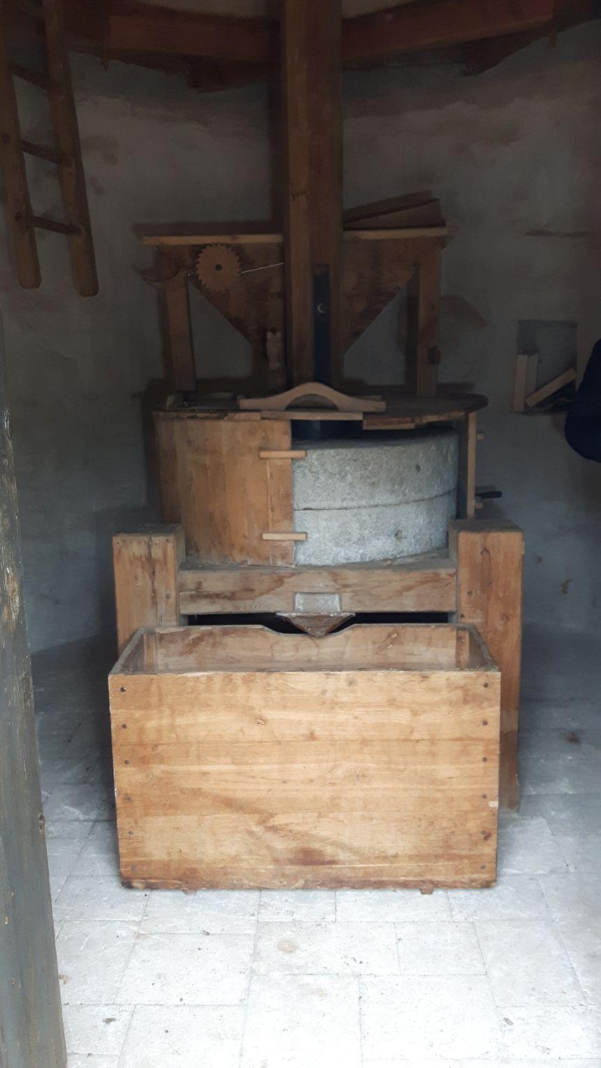 l'intérieur du moulin et le mécanisme pour la fabrication de la farine