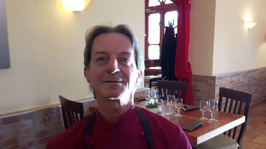 """Le nouveau chef du restaurant """"Le Café de Paris """" William Sperl"""