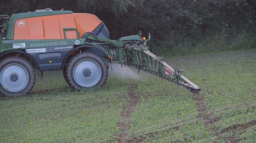 Trois communes indriennes voulaient interdire l'épandage de pesticides à proximité des maisons