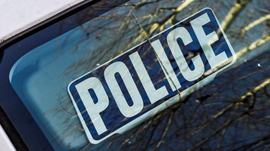 Illustration police