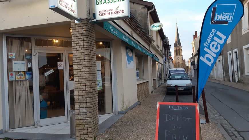 Bar Brasserie Le Théo à Garlin où France Bleu Béarn s'est installé ce mercredi matin