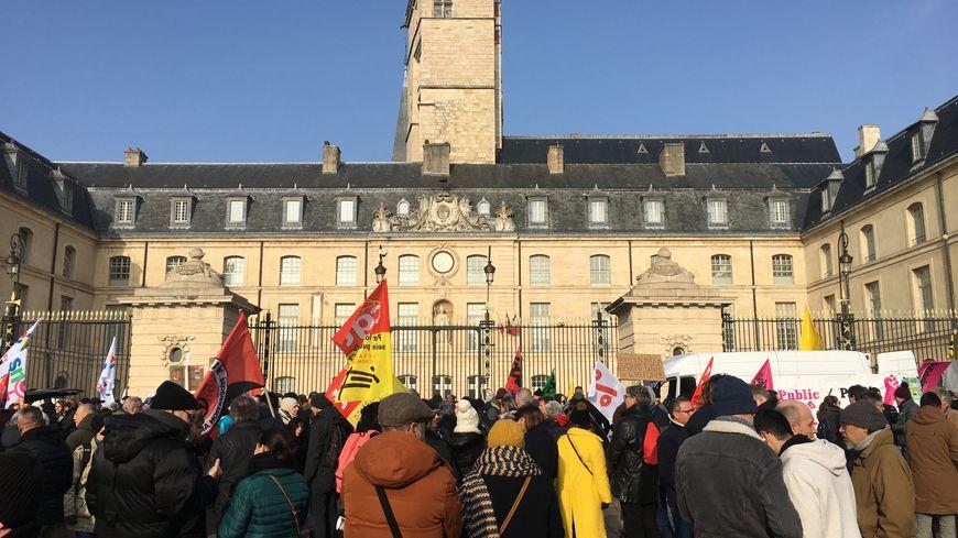 Le rendez-vous était donné Place de la Libération