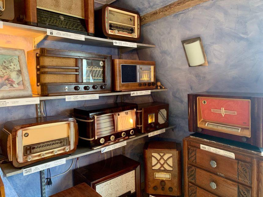 Ce sont des designers parfois célèbres qui concevaient les coffrages des radios