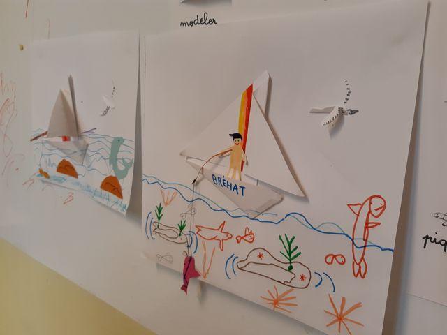Un enfant de la famille Sido dessine son père en train de pêcher
