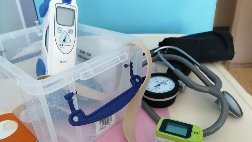 Le kit spécial 'coronavirus' distribué dans les services de l'hôpital de Perpignan