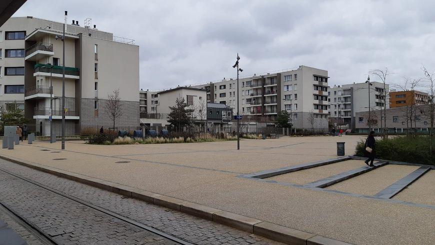 La rixe a éclate sur cette place, en plein coeur du quartier Orgeval à Reims.
