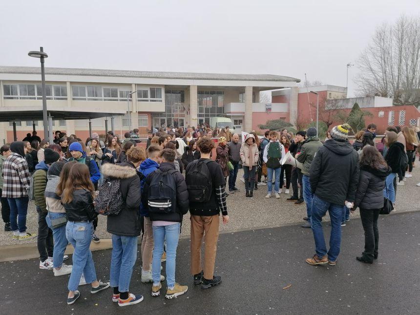 Enseignants et élèves espèrent empêcher la tenue des E3C de langues ce lundi 27.