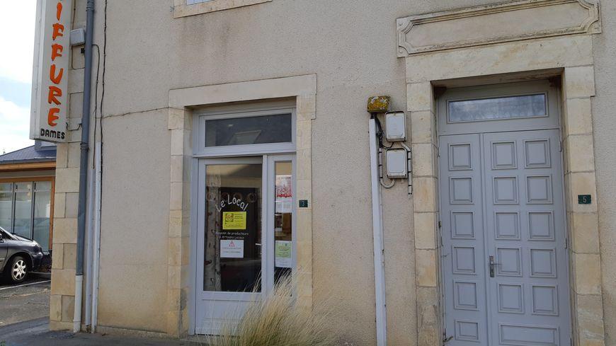 Le Local à Marçais, est installé dans un ancien salon de coiffure